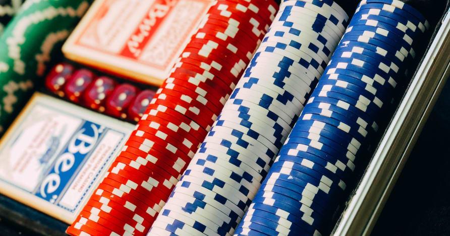 Intră în Texas Hold'em