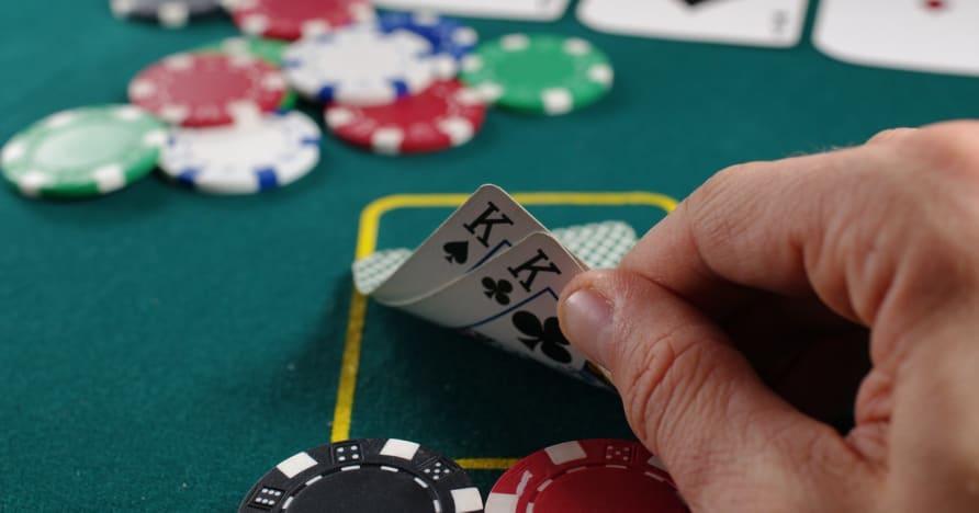 Ghid de poker pentru realizarea mâinii câștigătoare