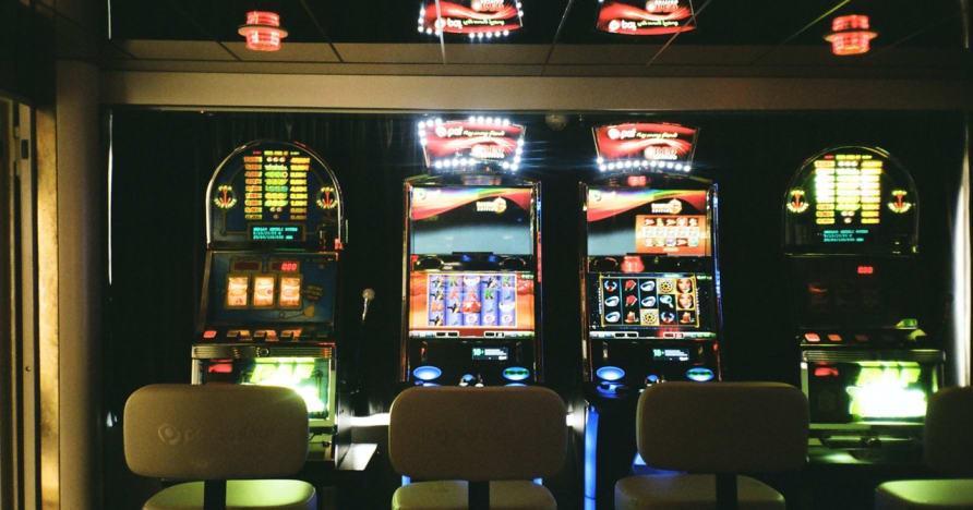 Sloturi live online: de ce sunt viitorul jocurilor de noroc online