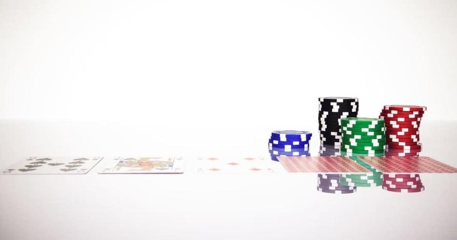 Înțelegeți regula Blackjack Soft 17 din jocurile de noroc online