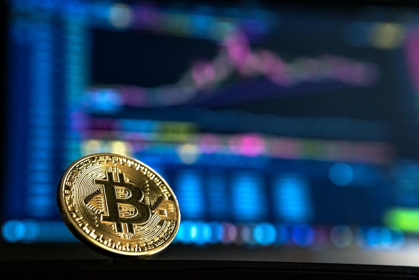 Jucați Blackjack cu Bitcoin | Merita?
