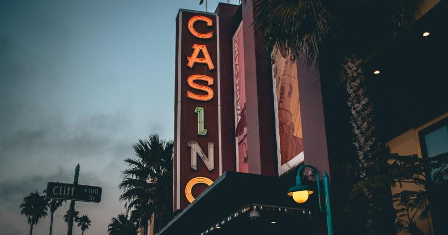 Cazinouri online live Cum a început totul