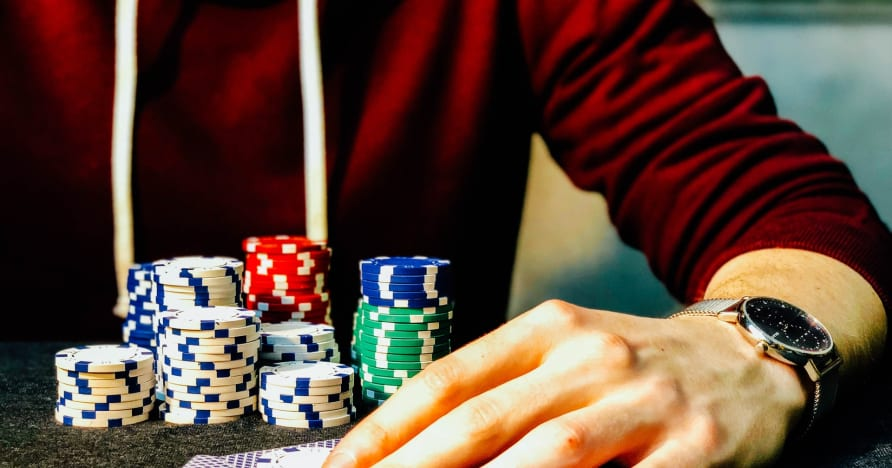 Ghid de poker online cu 3 carduri